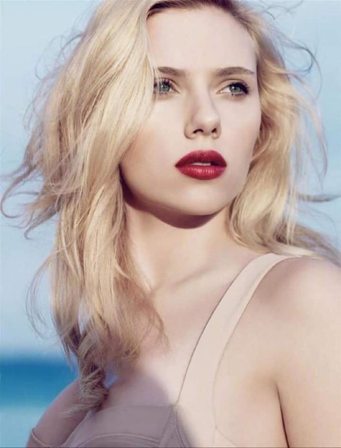 <p> Nữ diễn viên bắt đầu sự nghiệp diễn xuất từ sớm. 10 tuổi Scarlett đã có vai diễn đầu tay.</p>