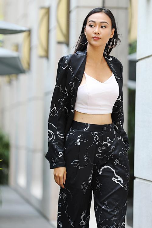 Các model đến casting đều có phong cách ăn mặc trẻ trung, khỏe khoắn, khoe được vẻ đẹp hình thể, khẳng định cá tính thời trang riêng.