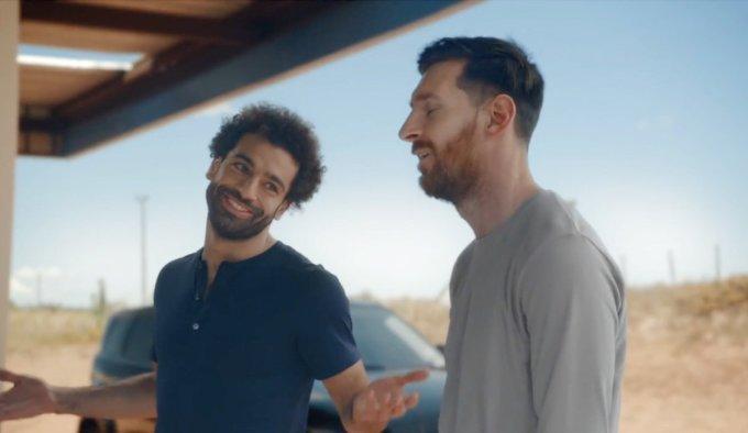 <p> Niềm vui của Mohamed Salah (trái) lại là nỗi đau xát muối trái tim với Messi.</p>