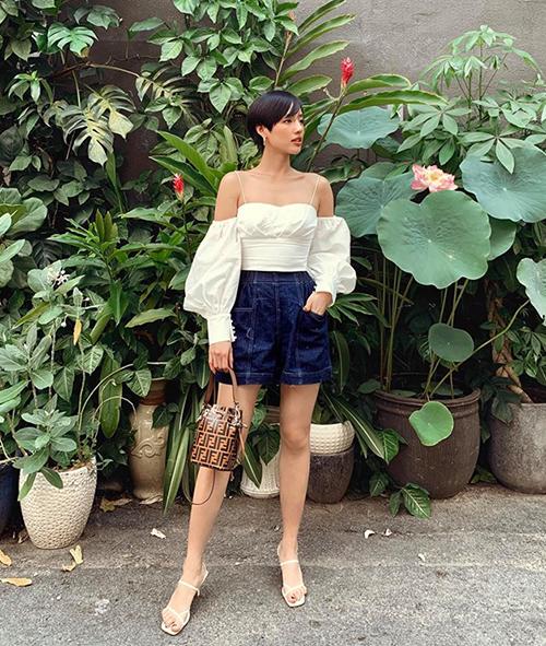 Street style mát mẻ đậm chất hè của sao Việt tuần qua - page 2 - 6