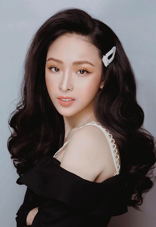 Trong bộ ảnh mới dưới sự biến hóa tài tình của chuyên gia trang điểm Phan Minh Lộc, Trương Hồ Phương Nga xi