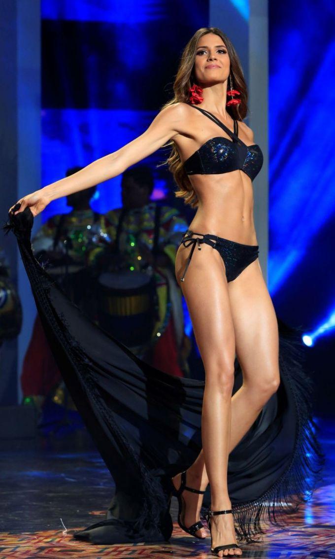 """<p> """"Hoa hậu Colombia có vóc dáng bốc lửa, kỹ năng trình diễn tốt"""", Hoàng Thùy nhận xét về đối thủ.</p>"""