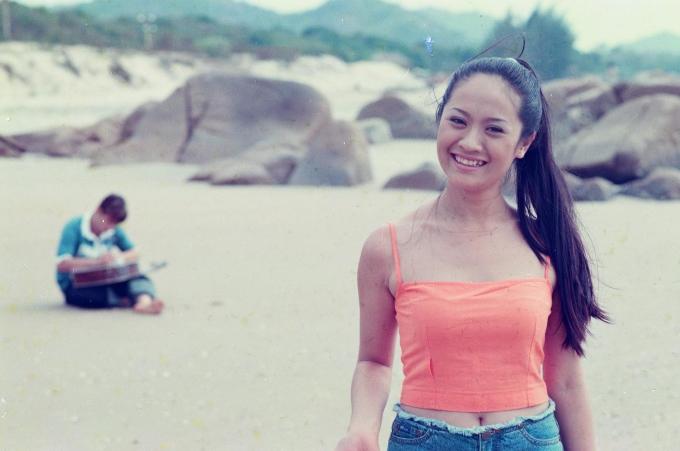 <p> Thanh Thúy ở tuổi 21 là gương mặt trẻ đắt show chụp ảnh lịch, bìa báo. Đạo diễn Vũ Ngọc Đãng từng ca ngợi bà xã Đức Thịnh là diễn viên có gương mặt mộc đẹp nhất Việt Nam.</p>