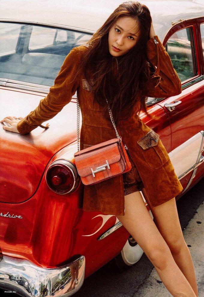 <p> Netizen ca ngợi SM khi có mắt nhìn visual siêu chuẩn. Krystal luôn lọt vào top những mỹ nhân nổi tiếng nhất của nhà SM. Nữ idol sở hữu khí chất sang chảnh độc đáo, là con cưng của các tạp chí thời trang và thương hiệu nổi tiếng.</p>