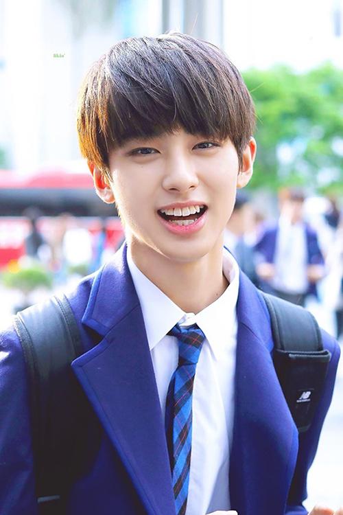 Kim Min Gyu là thực tập sinh của công ty JELLYFISH. Anh chàng luôn nằm trong top 3 những thí sinh được bình chọn nhiều nhất từ đầu chương trình. Tuy nhiên, Min Gyu là bị xếp vào lớp X sau phần đánh giá tài năng.