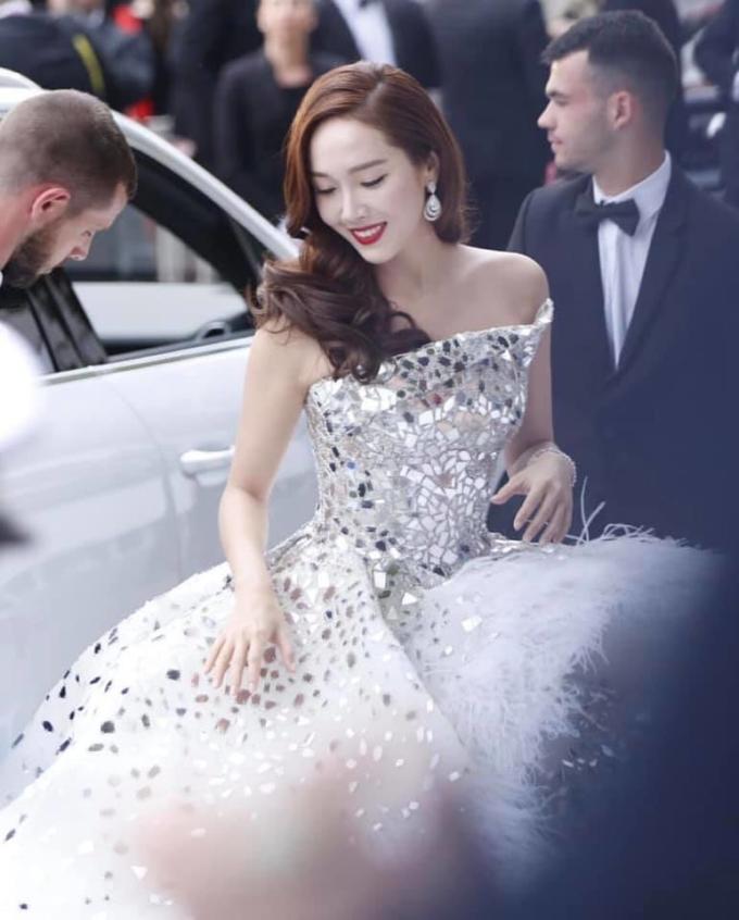 <p> Diện mạo của nữ idol được nhiều fan khen như công chúa.</p>