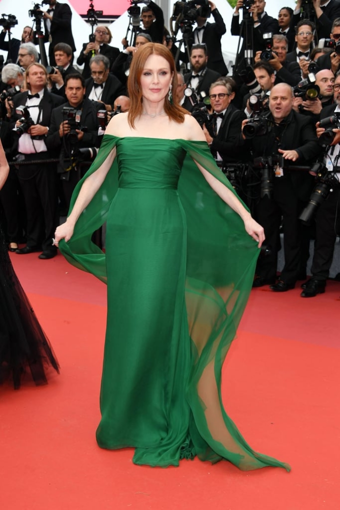 <p> 	Julianne Moore.</p>