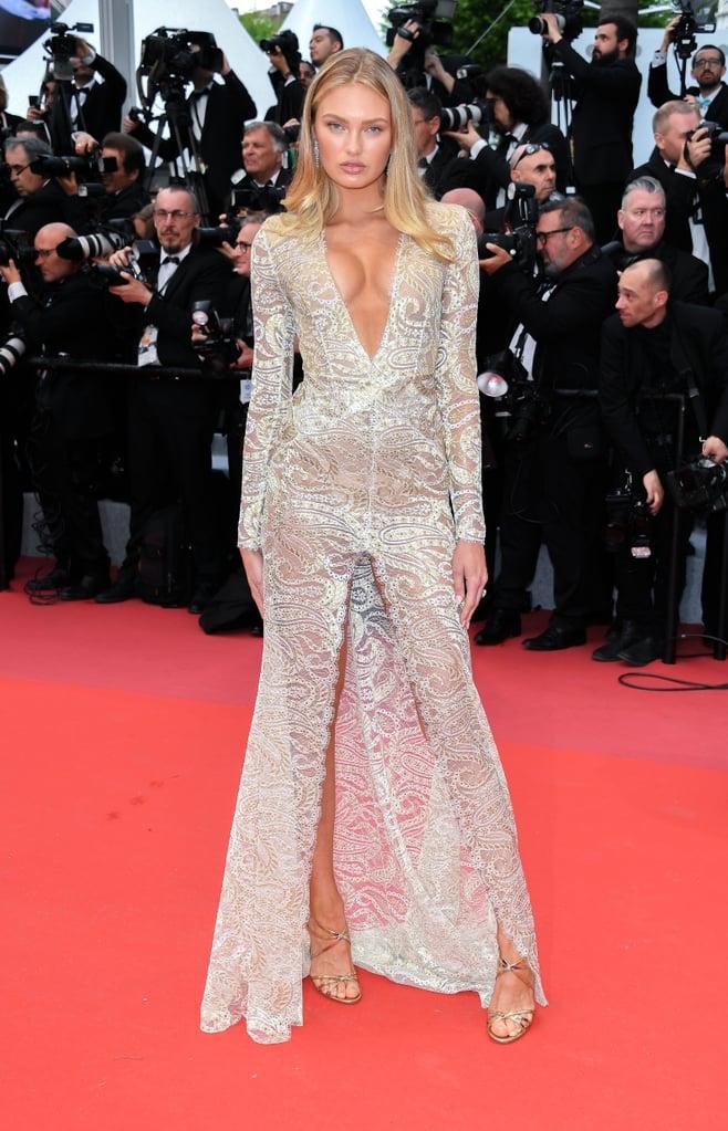 """<p> Romee Strijd năm nào cũng là """"thỏi nam châm"""" trên thảm đỏ Cannes với những bộ trang phục sexy, khoe tối đa lợi thế vóc dáng của một """"thiên thần nội y"""".</p>"""