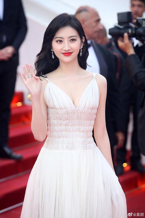 Cảnh Điềm đến dự buổi công chiếu bộ phim Les Miserables của đạo diễn người Pháp Ladj Ly.