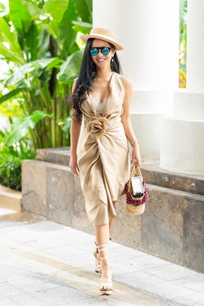 <p> Diva Hồng Nhung cũng là một trong những người bạn thân thiết trong làng giải trí của Hoa hậu Hà Kiều Anh.</p>