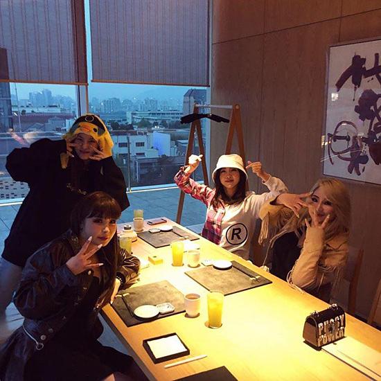 2NE1 hội ngộ với đội hình 4 thành viên trong ngày kỷ niệm 10 năm debut.
