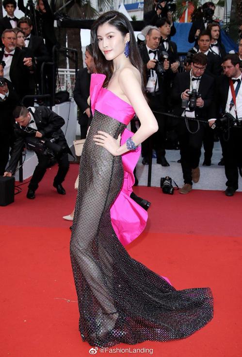 Thiết kế mặc như không khiến Sui He bị nhận nhiều lời chê hơn là khen trong lần tái xuất này tại Cannes.