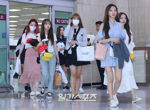 WJSN trở về Hàn sau khi hoàn thành sự kiện KCON 2019.