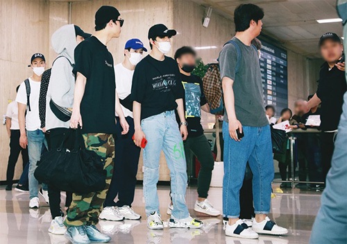 Các thành viên Monsta X trở về Hàn.