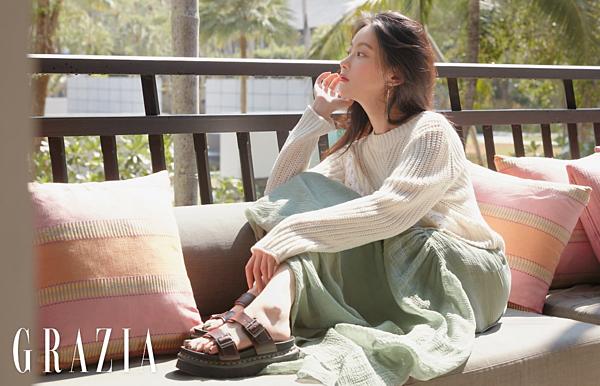 Bạn gái cũ của Kim Bum, nữ diễn viên Oh Yeon Seo vàtrang bộ ảnh đậm chất mùa hè trênGrazia.