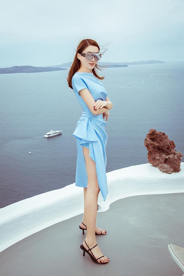 <p> Chất liệu vải lụa, satin được may cách điệu mang đến sự thoải mái cho một kỳ nghỉ dưỡng.</p>