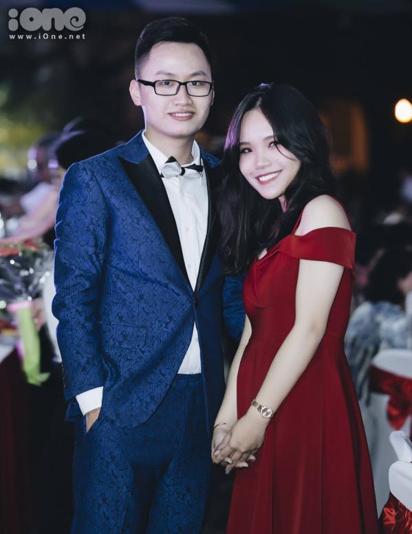 """<p> """"Cảm xúc bây giờ thật khó tả, đêm nay sẽ là một đêm đáng nhớ nhất trong cuộc đời học sinh của em"""" - Trần Việt Duy, học sinh lớp 12D2 chia sẻ.</p>"""