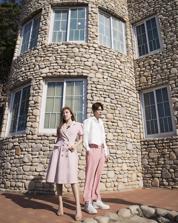 <p> Ngày thứ hai, họ được đưa đến Đài quan sát Thống Nhất, Goseong. Nơi đây được xây dựng hoàn thành vào 1984.</p>
