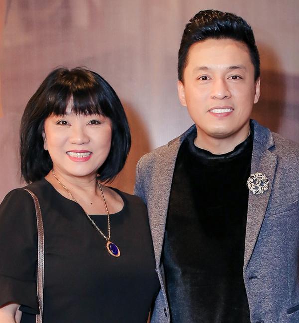 <p> Ca sĩ Cẩm Vân là thần tượng của Lam Trường từ nhỏ. Anh cũng mong sẽ có sự kết hợp với đàn chị trong một ngày gần nhất dù dòng nhạc hai người khác biệt.</p>