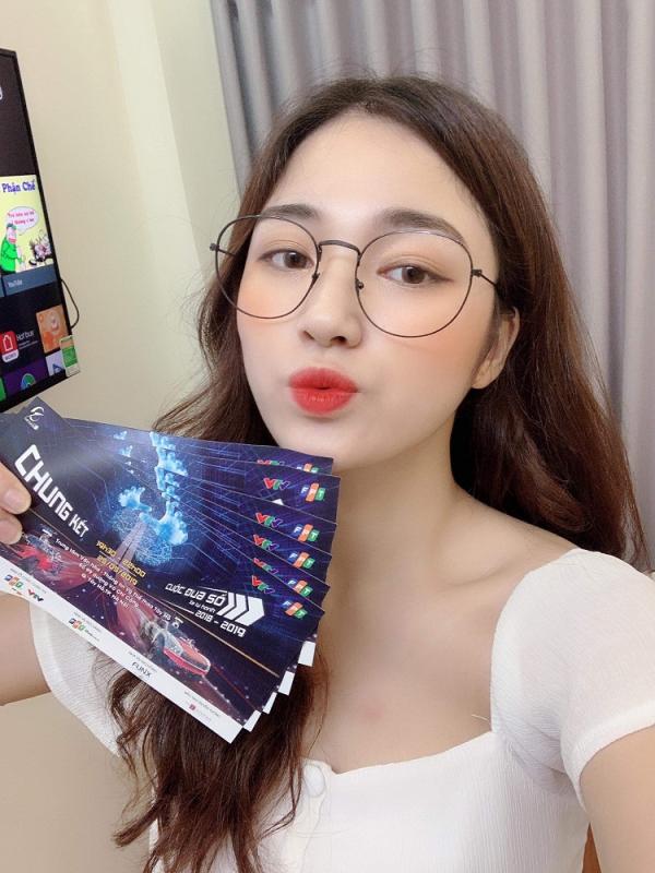 Hot girl Tiểu Ngọc pose hình trên trang cá nhân.
