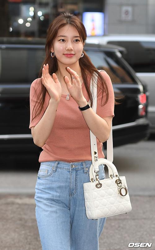 Mặt mộc không tì vết của Suzy khiến netizen trầm trồ - 2