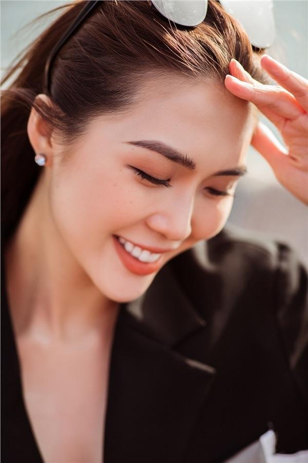 <p> Không phụ thuộc vào đồ hiệu nhưng Tường Linh cho biết, cô sẵn sàng chịu chi cho những món thời trang yêu thích.</p>
