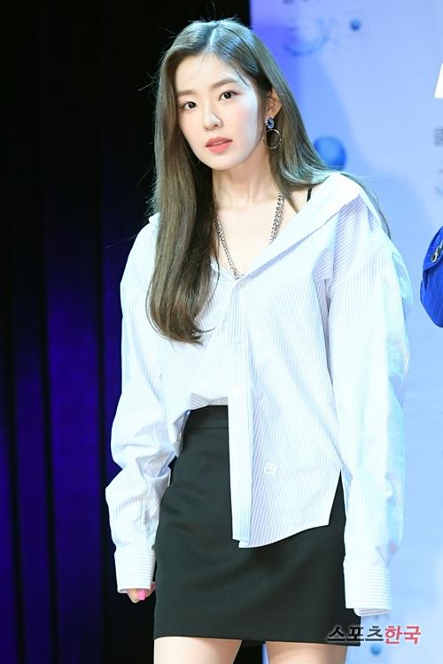 Chiều 29/5, Irene xuất hiện tại một sự kiện fansign ở Cheongdam-dong, Seoul.