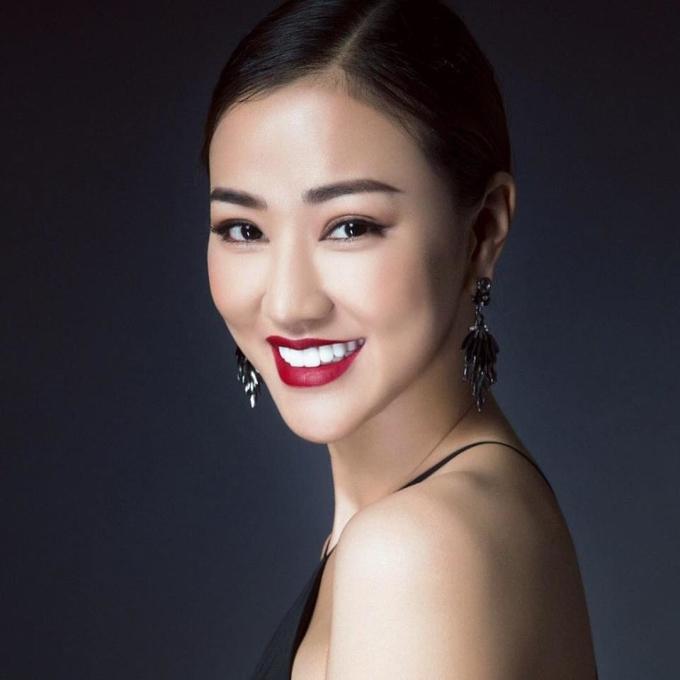 """<p> Maya tên thật là Mai Thu Hường. Nghệ danh Maya là do nhạc sĩ Huy Tuấn đặt, dựa trên họ của cô. Maya trong tiếng Nga có nghĩa là """"tôi"""".</p>"""