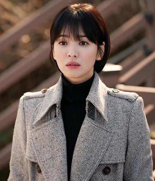 Song Hye Kyo từng gây sốt với kiểu tóc ngắn ngang cằm, mái lưa thưa dịu dàng trong bộ phim