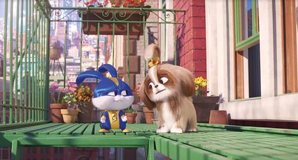 Daisy (trái) là nhân vật mới của phần phim này.