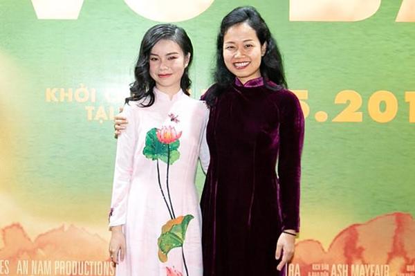 Trà My và đạo diễn Ash Mayfair Phương Anh.
