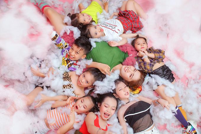<p> 9x mong muốn các bạn nhỏ sẽ luôn được sống vui vẻ, hạnh phúc bên người thân và lớn lên một cách bình thường nhất.</p>