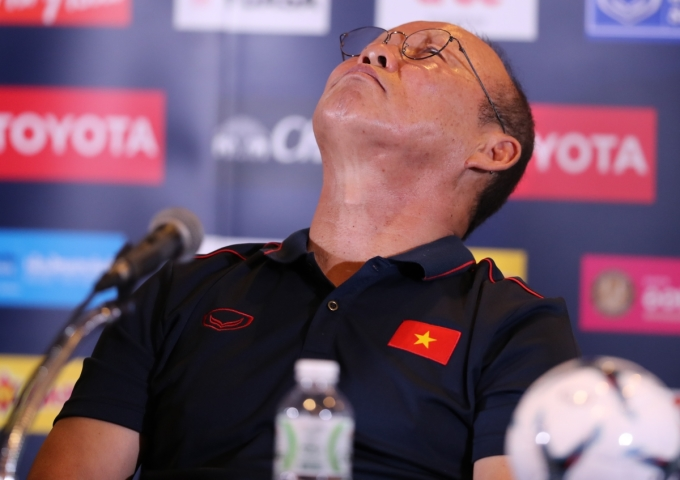 """<p> Bức ảnh minh chứng cho việc báo Hàn Quốc gọi ông là 'ngài ngủ gật"""".</p>"""