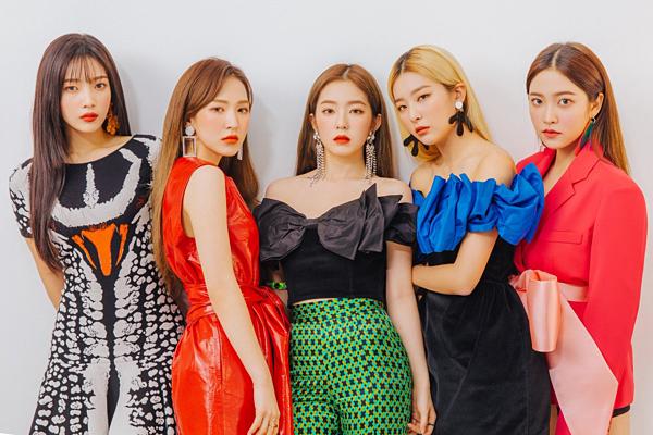 Red Velvet được gọi là nữ hoàng mùa hè nhờâm nhạc và hình ảnh phù hợp.