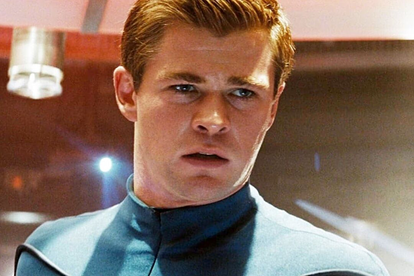 Vai diễn siêu phụ của Chris Hemsworth trong Star Trek.