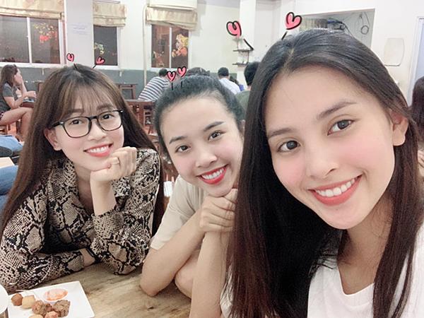 Phương Nga hội ngộ Á hậu Thúy An và Hoa hậu Tiểu Vy ở Sài Gòn.