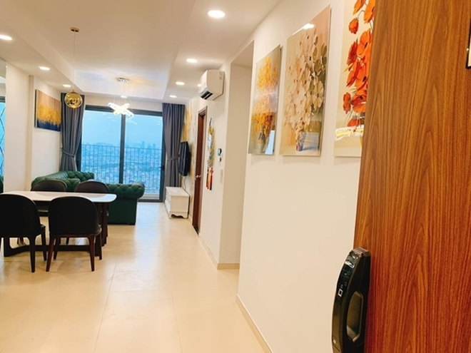 <p> Căn nhà sử dụng gam màu trắng chủ đạo. Phòng khách, khu vực bếp nối liền tạo cho căn nhà không gian rộng rãi, thoải mái hơn.</p>