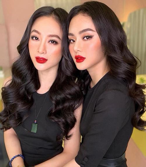 Hai chị em Angela Phương Trinh giống nhau như hai giọt nước khi trang điểm cùng một cách.