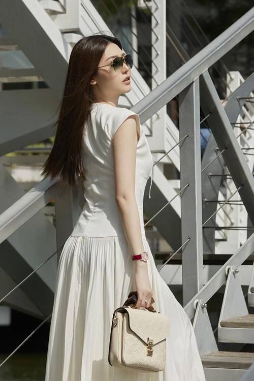 Sắp tới, cô sẽ thành lập chuỗi trung tâm chăm sóc sắc đẹp cao cấp tại Hà Nội.