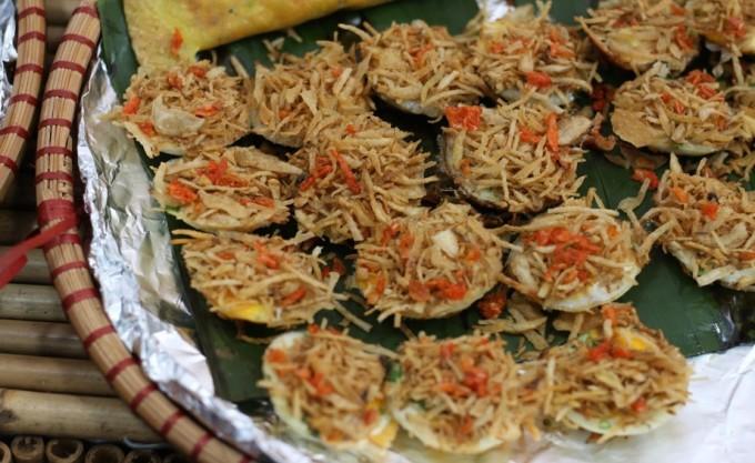<p> Bánh khọt, đặc sản Nam Bộ.</p>