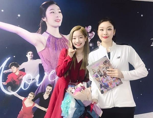 Da Hyun hóa fan girl cuồng nhiệt, hạnh phúc khi được chụp hình cùng nữ hoàng trượt băng Kim Yuna.