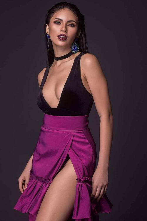 Chỉ cao 1,68 m nhưng Tân Hoa hậu sở hữu vóc dáng đẫy đà. Côđược kỳ vọng tiếp nối Catriona Gray, mang chiếc vương miện Miss Universe thứ năm về cho quê nhà.Ganados chụp hình thời trang.