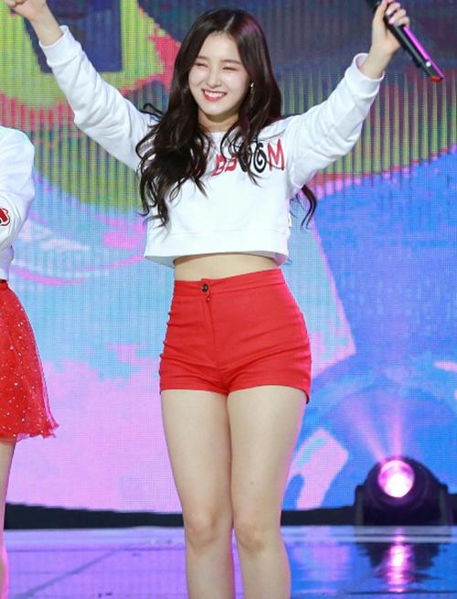 Nancy cũng là một trường hợp tăng cân gây chú ý trong Kpop thời gian qua. Cô nàng từ dáng người cân đối đã chuyển sang
