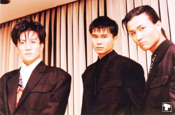 Ra mắt vào năm 1992, Seo Taiji and Boys được xem là nhóm nhạc huyền thoại của Kpop. Trong sự nghiệp, nhóm đã bán được hơn 8 triệu bản album. Trong đó, album phòng thu thứ ba của Seo Taiji mang tên 7th Issuetừngtrở thành album bán chạy nhất trong năm 2004 tại Hàn với 482.066 bản được bán ra.