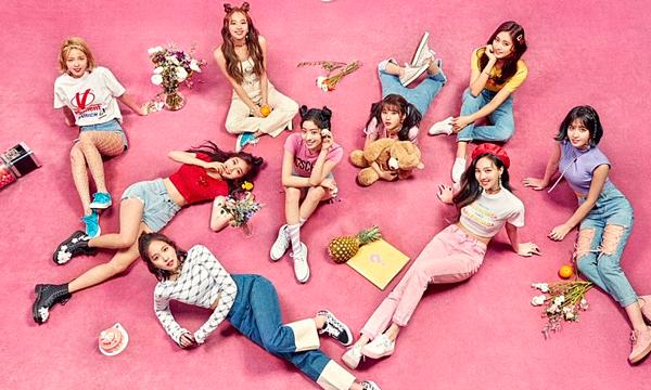 Nếu như năm 2018, Twice vẫn xếp sau SNSD trong top những nhóm nhạc bán album chạy nhất lịch sử Kpop, thì năm nay girlgroup nhà JYP đã vượt mặt tiền bối. Twice đứng vị trí thứ 6 với tổng doanh số là 5.634.229 bản. Sau khi phát hành album mới nhất Fancy You hồi tháng 4, Twicetiếp tục chứng minh ngôi vị nữ hoàng trong mặt trận bán album của girlgroup.