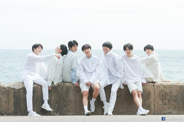 BTS dẫn đầu BXH với tổng doanh số đạt 16.286.358 bản. Album gần đây nhất của BTS - Map of the Soul: Persona - là album bán chạy nhất mọi thời đại ở Hàn Quốc, với hơn 3,3triệu bản. Người hâm mộ nhận xét, đối thủ lớn nhất của BTS chính là... BTS. Ước tính, cứ mỗi năm, BTS lại tăng trưởng tới... 80% so với năm ngoái. Fan dự đoán album tiếp theo trong chuỗi Map of the Soul sẽ phá mọikỷ lục của mini-album Persona.
