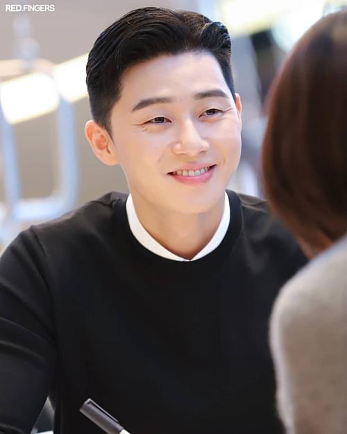 Đứng vị trí thứ 3 là nam diễn viên Park Seo Joon.