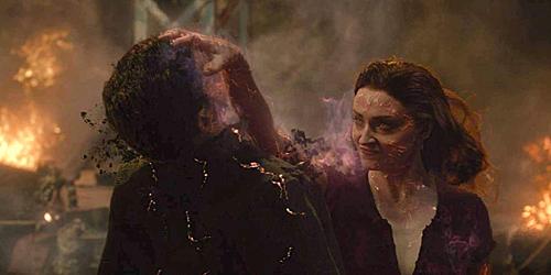 Sức mạnh bá đạo của Jean Grey, nhóm người ngoài hành tinh có năng lực biến hình khiến khán giả liên tưởng đến phim Captain Marvel.
