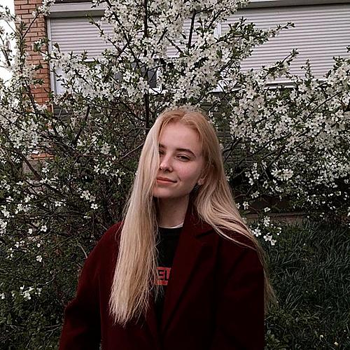 Ekaterina Chernova là cô gái thứ 6 qua đời tại Nga trong vài năm qua vì cố tạo dáng chụp ảnh.