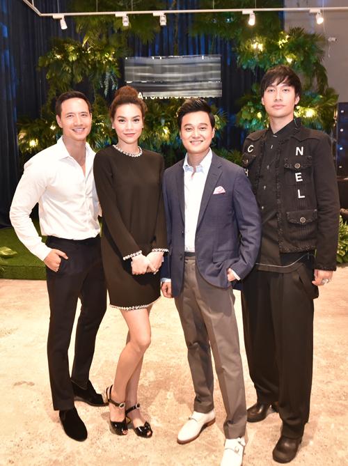 Ở ngoài đời, Kim Lý - Hà Hồ - Quang Vinh - Lý Quí Khánh là những người bạn thân thiết.